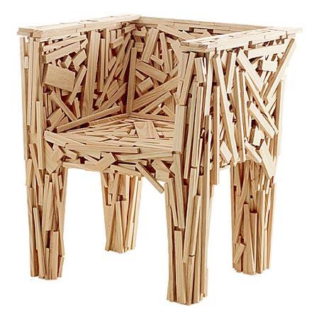 Favela Chair, сделан из кусков дерева которые нашли в трущобах Сан-Паулу, 1991 год.