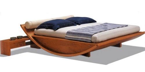 Кровать от итальянского дизайнера Лучано Дальмонего